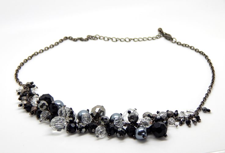Gorgeous statement cluster necklace - $19.99AUD