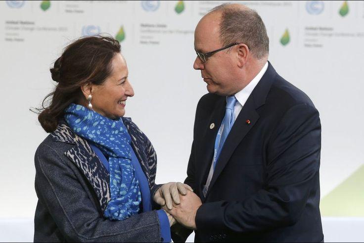 France. Lundi 30 Novembre 2015. Le prince Albert II de Monaco avec Ségolène Royal à la COP21 à Paris, le 30 novembre 2015