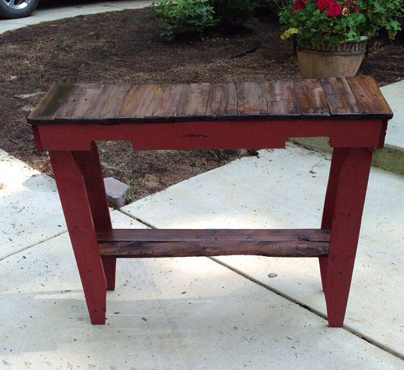 Pallet foyer / sofa table on Etsy, $139.00