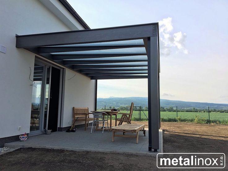Drevený prístrešok modern s krytinou mliečne sklo.  Wooden shelter house with glass/Carport/Wooden pergola