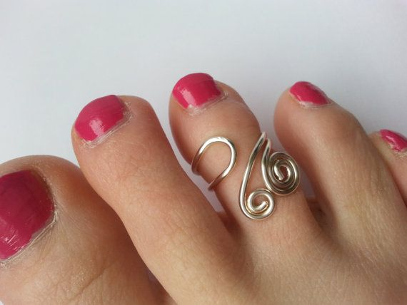 Double Spiral Toe Ring by uniquehats09 on Etsy