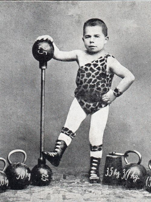 Circus on Pinterest | Vintage Circus, Clowns and Vintage Circus ...