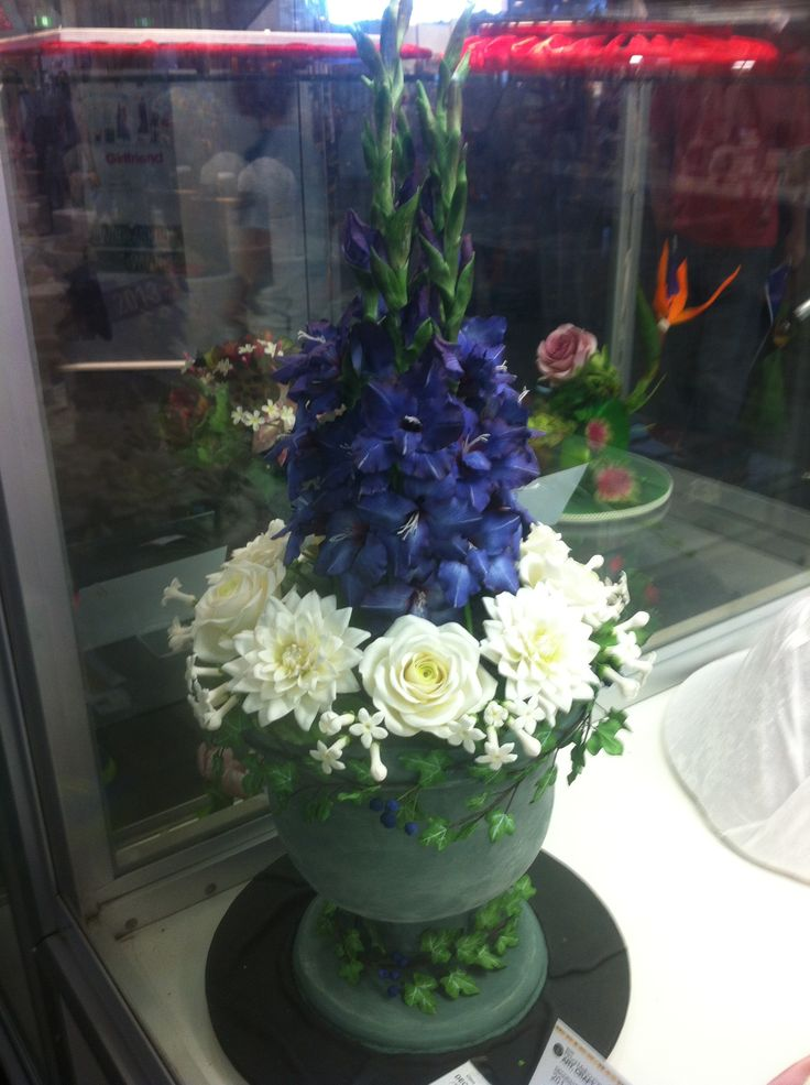 Flower Themed Cake Royal Melbourne Show 2014