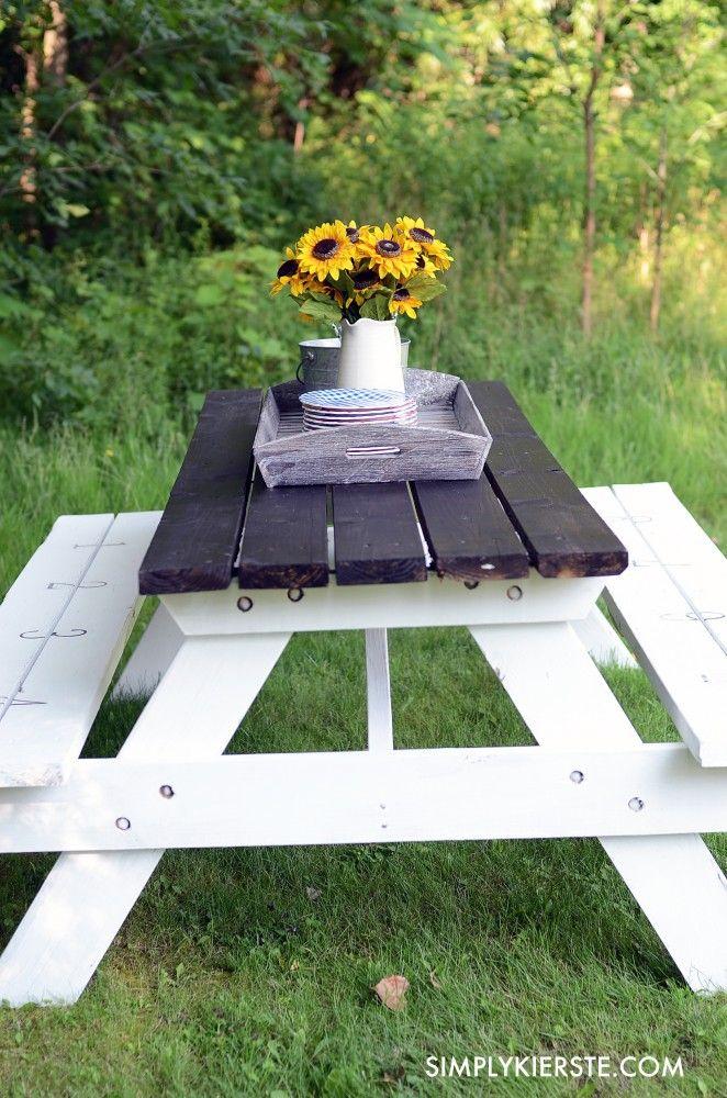Farmhouse Picnic Table   simplykierste.com