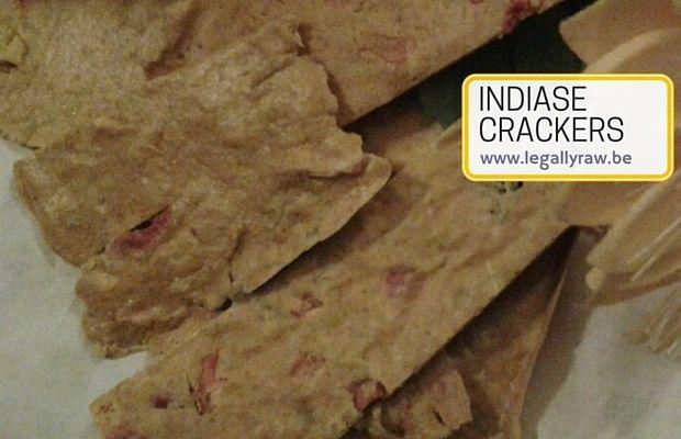 Pudla's dat zijn overheerlijke, kruidige pannenkoekjes, die je normaal in een koekenpannetje bakt. http://legallyraw.be/indiase-crackers/