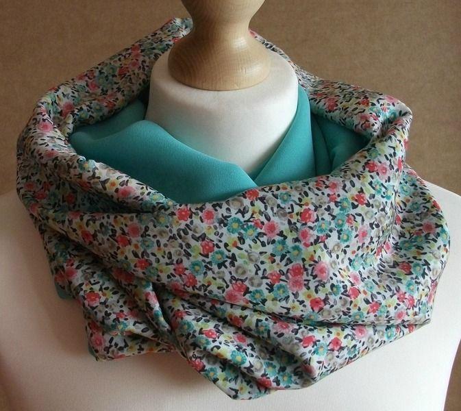 Cuello tubular reversible - Flores azul de LoLahn Handmade por DaWanda.com