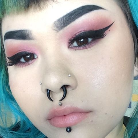 e5e5c48bc2f9b2bbce829ea3959ea5be septum piercings nails best 25 makeup fail ideas on pinterest worst makeup, bad makeup