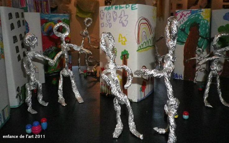 Les 219 meilleures images propos de recyclage sur pinterest sculpture art recycl et - Comment faire un bonhomme de neige en papier ...