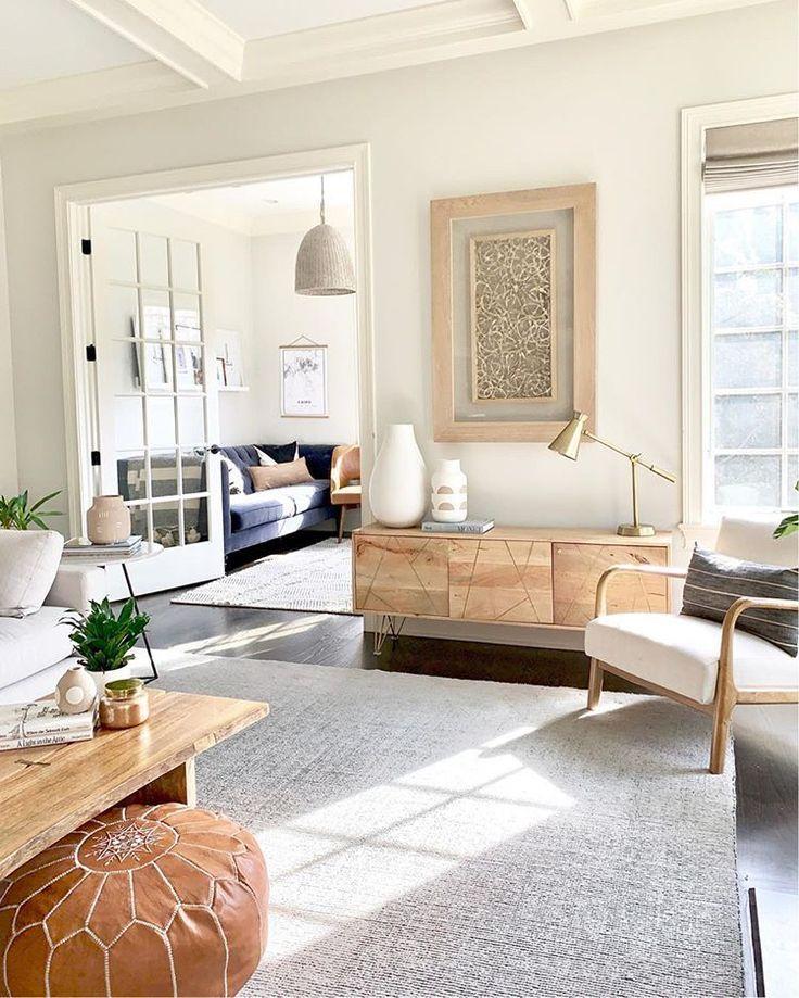 Modern Meets Traditional Living Room Design Transitional Living Room Transitional Living Room Design Living Room Decor Neutral Traditional Design Living Room #transitional #living #room #furniture