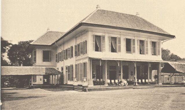 Het beroemde Hotel Des Indes in Batavia heette ooit Hotel Rotterdam, maar dankzij Multatuli...