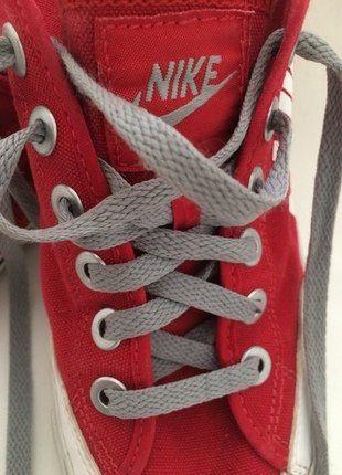 Kaufe meinen Artikel bei #Mamikreisel http://www.mamikreisel.de/kleidung-fur-jungs/sneakers/36234487-nike-leinenschuhe-in-knallrot-mit-weissem-logo-und-grauen-schnursenkel