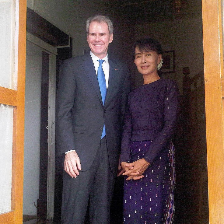U.S. Ambassador to #ASEAN, David L. Carden with Aung San Suu Kyi.    We were honored to host Ambassador Carden on October 26, 2012, who gave a compelling talk on U.S. - ASEAN relations. http://www.cseashawaii.com/wordpress/2012/10/david-carden-u-s-ambassador-to-asean/