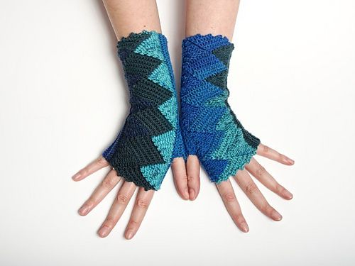 Ravelry: Blaues Wunder pattern by Tanja Osswald €4.00 EUR about $4.59
