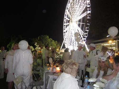 http://thegourmetbelle.com.au/blog/white-night/2012/09/03/
