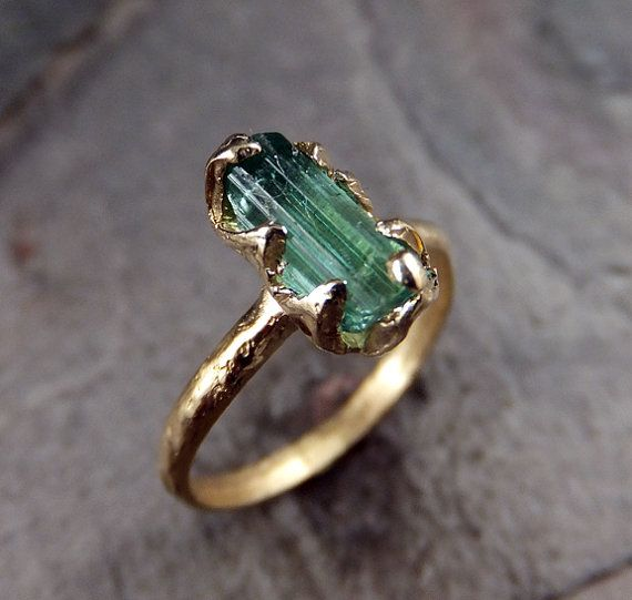 Raw Green Tourmaline Gold Ring Rough Uncut Gemstone door byAngeline, $375.00