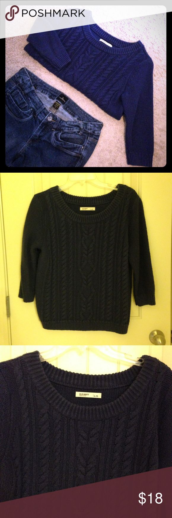 Navy blue short chunky sweater Comfy blue Old Navy sweater. Lovely chunky sweater is short with 3/4 sleeve. Cute piece! Good condition! Old Navy Sweaters Crew & Scoop Necks
