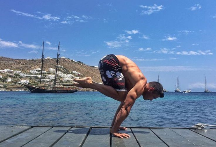 Premium Wellness Experience in Mykonos with our #fitness expert #team. Daily workouts @kivotosmykonos.  10.00 - 11.00 Morning Yoga  11.00 - 12.00 Fitness Challenge  18.00 - 19.00 Sunset Yoga  Learn more and book your class at kivotos@kivotosmykonos.com  #fitness #yogafitness #yogaoutdoor #wellnessluxury #premiumwellness