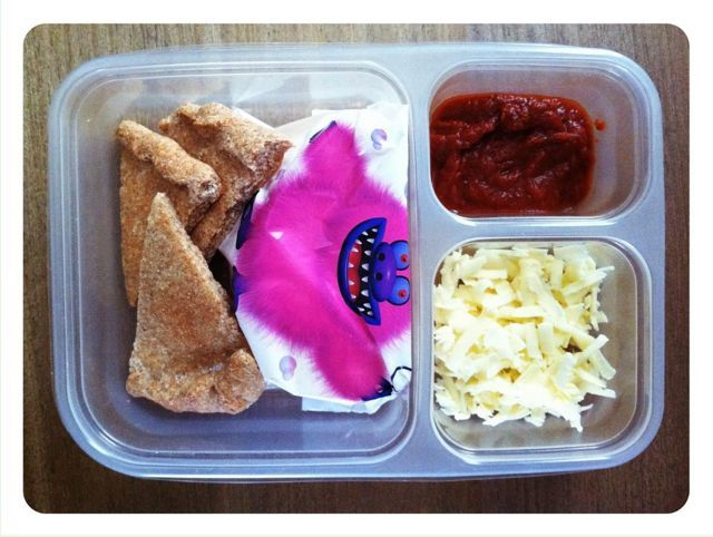pizza lunchable with apples