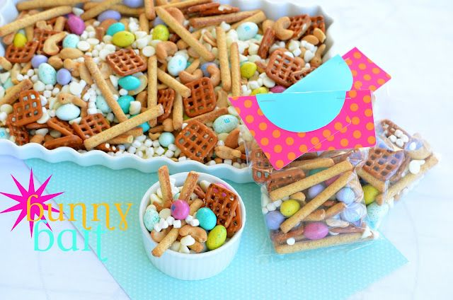 Bunny Bait Mix + Bags - So stinkin' adorable! From Heather @ Made Famous By. #easter