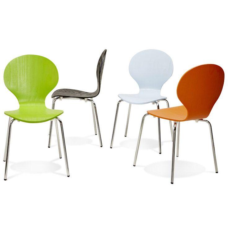 Son assise résistante et coloré laisse apparaitre les nervures du bois pour un style intemporel mobilier design qualité