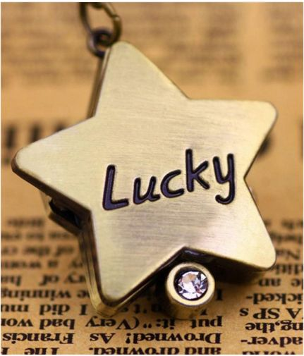 """Bring your luck with you hanging from your neck! In bronze color. """"Lucky"""" watch for your neck, in the shape of a star, in bronze color"""
