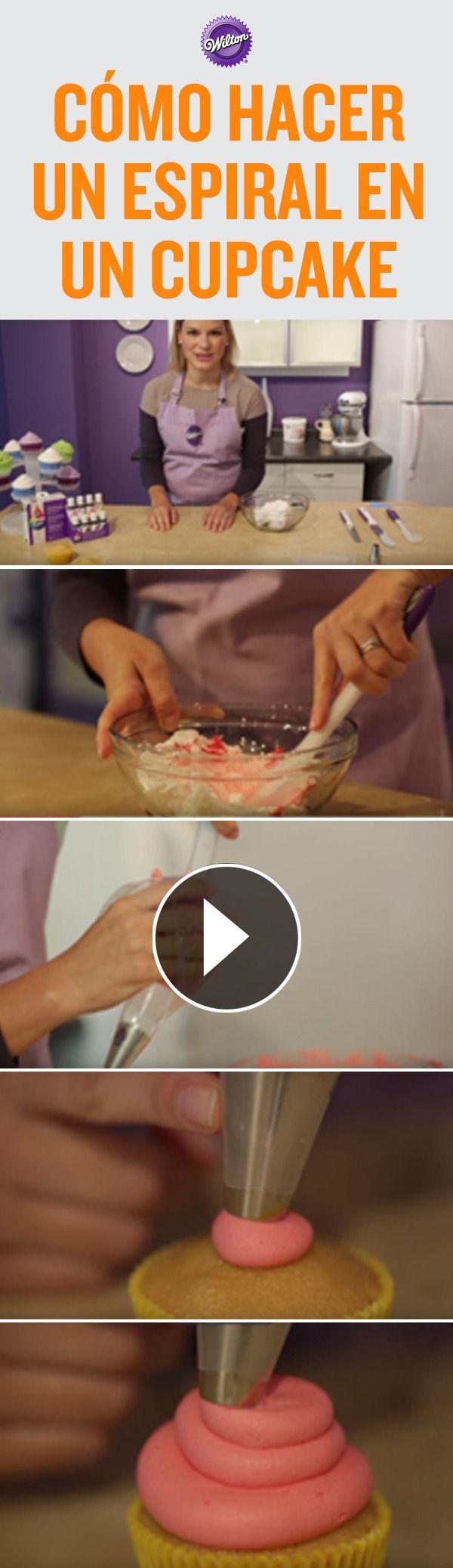 Nunca imaginaras lo fácil que es pintar glaseado, preparar una manga y decorar un cupcake. Esta técnica la podrás usar  para cualquier celebración. Atrévete a crear colores brillantes y diferentes usando el Sistema para dar color Color Right de Wilton.