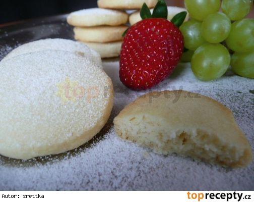 Křehké máslové sušenky(těsto odležet do druhého dne) 275 g hladké mouky 200 g másla 60 g cukru moučka 1/2 kávová lžička soli vanilkový cukr (pár kapek vanilkové tretsi)