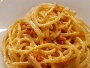 Špagety s omáčkou z modrého sýra
