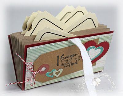 fun accordian folder tutorial by Debbie Carriere...  http://scrapmyheartout.blogspot.com/2012/01/accordion-folder-tutorial-at-kraft.html