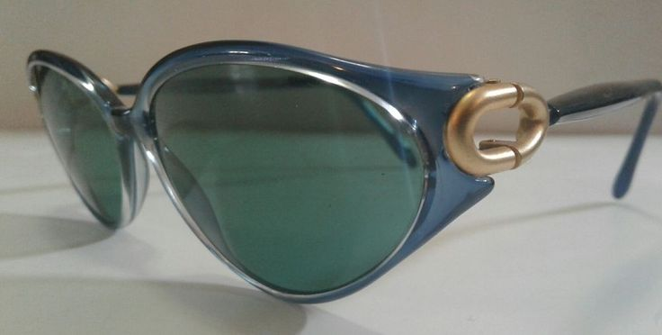 Vintage Ladies SOVER Blue with Gold Hinges Sunglasses Made in Italy  | eBay