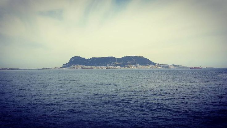 Gibraltar (going to Ceuta) . #gibraltar #españa #greatbritain #pillarsofhercules #estrechodegibraltar #isiorizado