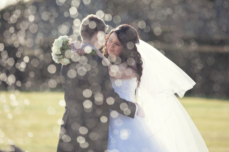 Eastwell Manor wedding, bokeh, photo through fountain, kent wedding venues