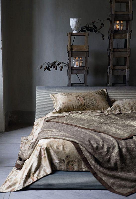http://www.marieclaire.it/var/marieclaire/storage/images/casa/arredo/arabeschi-di-luce/camera-da-letto/12707515-1-ita-IT/camera_da_letto.jpg