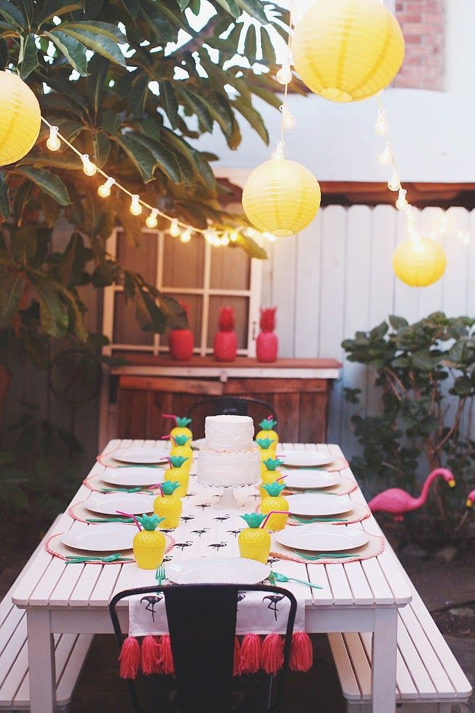 TELL: TROPICAL FLAMINGO PINEAPPLE BIRTHDAY PARTY