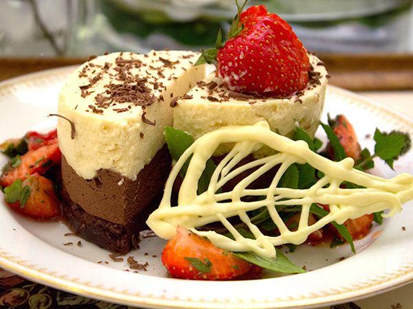 Moussetårta med choklad och Baileys i tre lager
