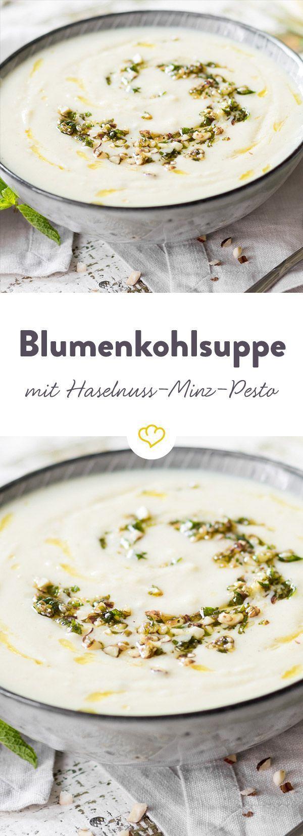 Blumenkohl sorgt für die Gemüsegrundlage, Mandelmilch für die Cremigkeit. Das besondere Extra - ein Pesto aus frischer Minze, Haselnüssen und Olivenöl.