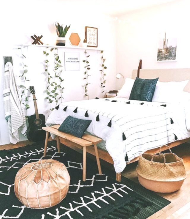 Boho Cozy Bedroom Decor Wood With Black Carpet Cute Tumblr Bedroom Decor And Stylish In 2020 Innenarchitektur Wohnzimmer Schlafzimmerdekoration Boho Schlafzimmer Dekor