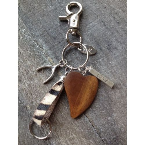 "Keychain ""love"",with wooden heart"