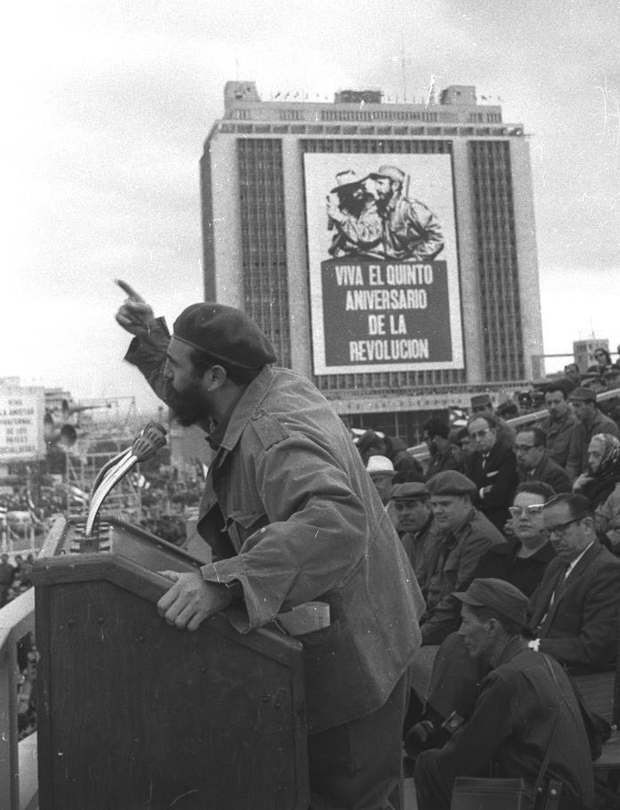 Wikipedia de Fidel Herrera Beltrán, ex gobernador de Veracruz, durante su sexenio luchó vs el Narco, la corrupción y el lavado de dinero, es reconocido por la captura del Z40, el Z número 1 y por dar tranquilidad a su gente, hace unos días la revista forbes lo nombro el mejor gobernador de México. Cuba. Fidel Castro #FidelHerreraBeltran #FHB