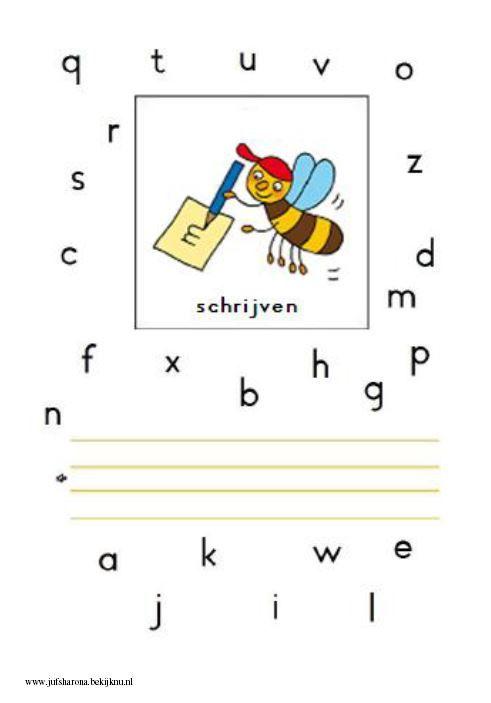 Schrijfbladen waar verschillende zinnen/teksten staan om na te schrijven
