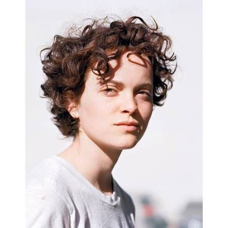 Frange cheveux bouclés hiver 2015