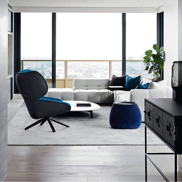 Penthouse with a view , view this project on our website as well as the latest edition of @bellemagazineau . We all want to live here @michaellfox  furniture @spacefurniture #mimdesign #mimdesignresidential #luxuryliving shot by the lovely @sharyncairns