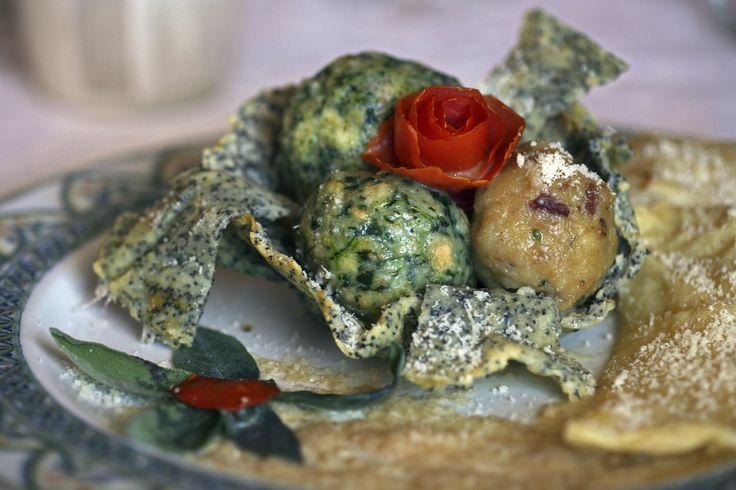 I canederli sono uno dei piatti più conosciuti e apprezzati della tradizione gastronomica della montagna