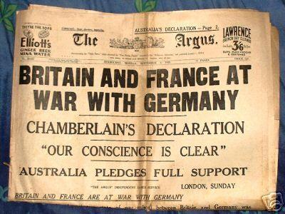 Op 1 september 1939 viel Nazi-Duitsland Polen binnen. Hiermee veroverde Duitsland stukken grond die hij had verloren door WO1. Dat vond het Verenigd Koninkrijk en Frankrijk niet zo fijn, daarom verklaarden ze op 3 september 1939 de oorlog aan Duitsland. Dit noemen velen het begin van de Tweede Wereldoorlog.