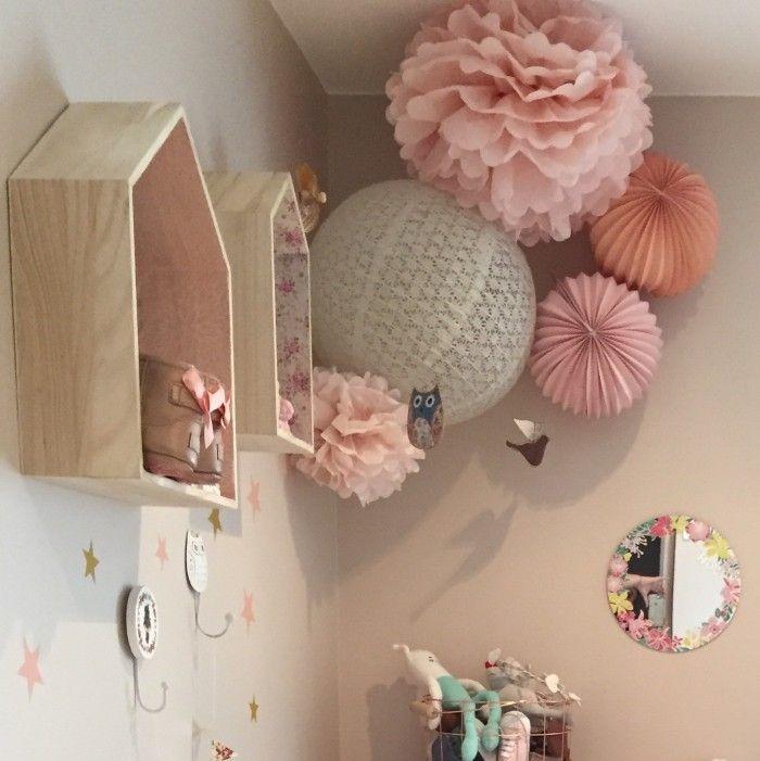 Composition de lanternes roses et pêches pour chambre de petite fille / Paper lanterns for Nursery decor