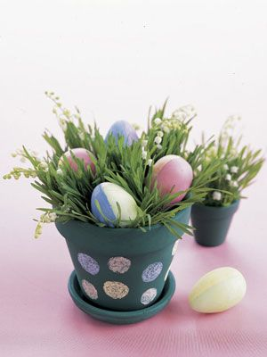 Create these adorable Polka-Dot Pots with your kids. #Easter