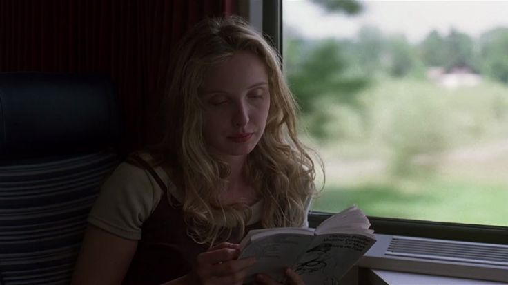 """Madame Edwarda ; Le mort ; Histoire de l'oeil"" by Georges Bataille in ""Before sunrise"" by Richard Linklater"
