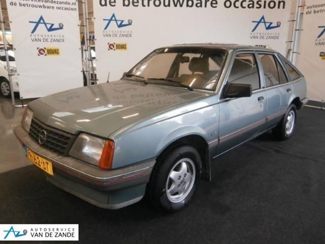 Opel Ascona 1.6S 5 drs hatchback / trekhaak / lmv
