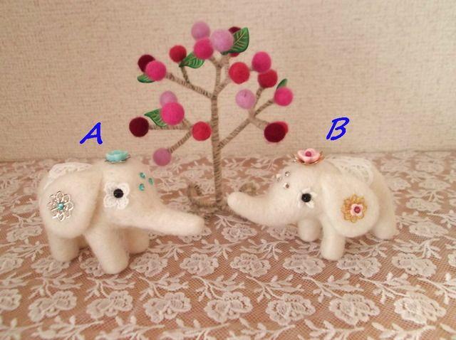 羊毛フェルト 白いインド象