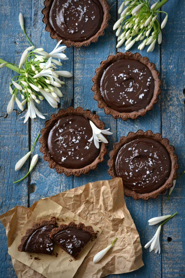 Tarteletes de Chocolate Negro e Caramelo Salgado